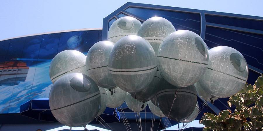 Of Death Star Balloons and Popcorn Buckets