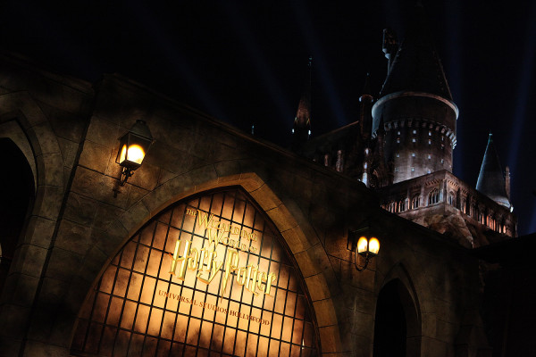 The Wizarding World of Harry Potter Grand Opening -- Photo by: David Yeh