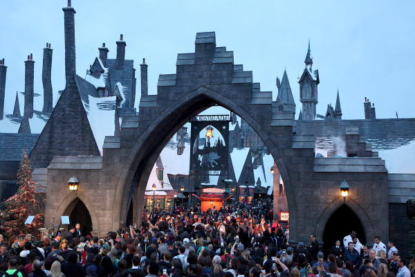Opening Day crowds at The Wizarding World of Harry Potter Grand Opening - April 7, 2016 - Photo by: David Yeh