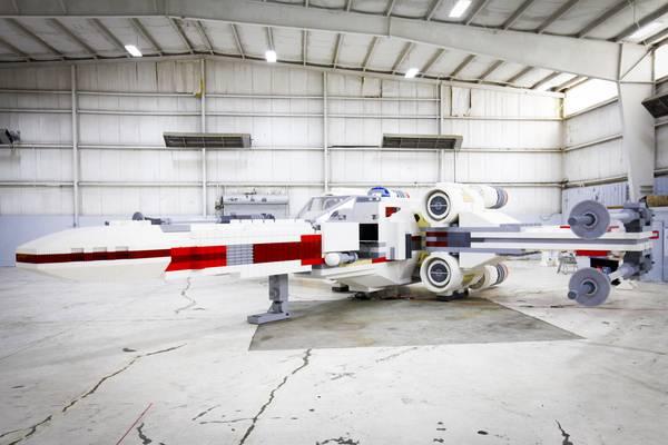 LEGO Star Wars X-Wing model_2