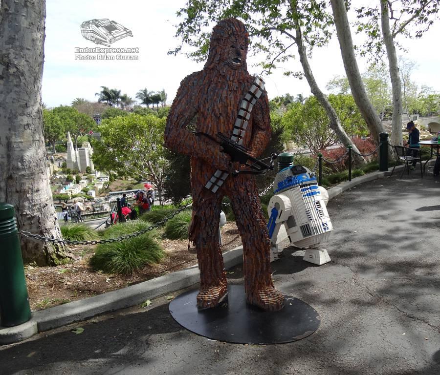 Lego-Chewie-R2D2