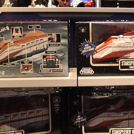 Star Tours Special Holiday Delivery