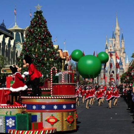 Christmas Day Parade.Disney Parks Christmas Day Parade Endorexpress