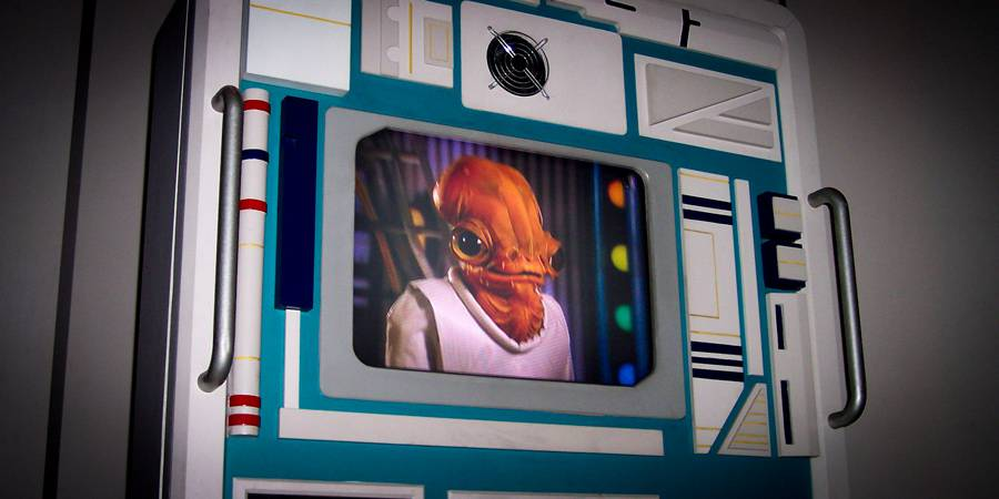 Interview with Lynette Eklund (Ackbar puppeteer)