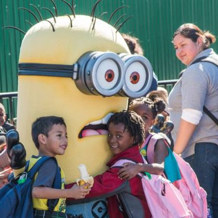"Universal Studios Hollywood Hosts ""Day of Giving"""