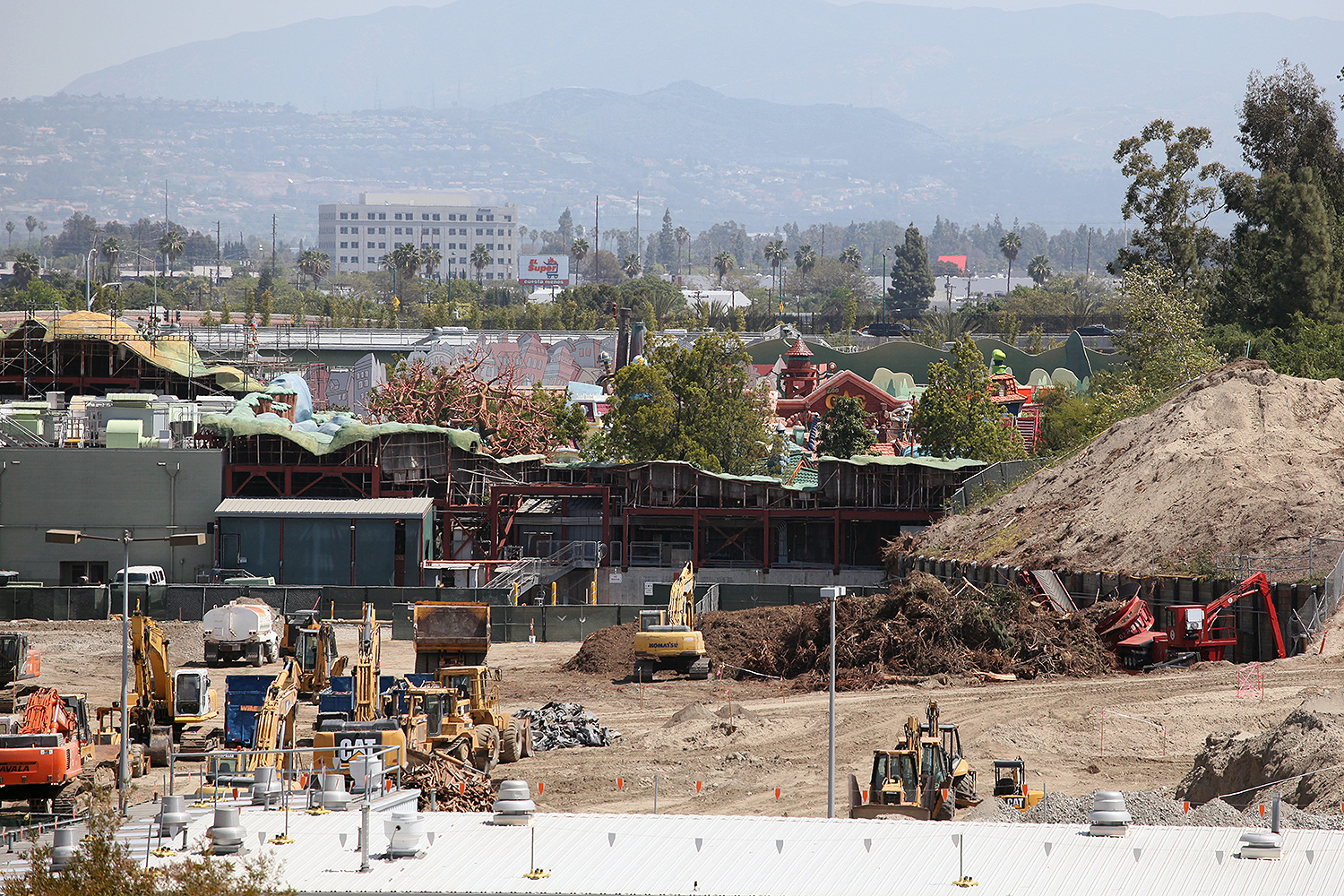 Disneyland Star Wars Land Progress 04/03/2016