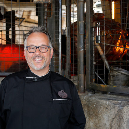 Disneyland Executive Chef Takes Us On A Crash Course of Batuu's Quick Eats.