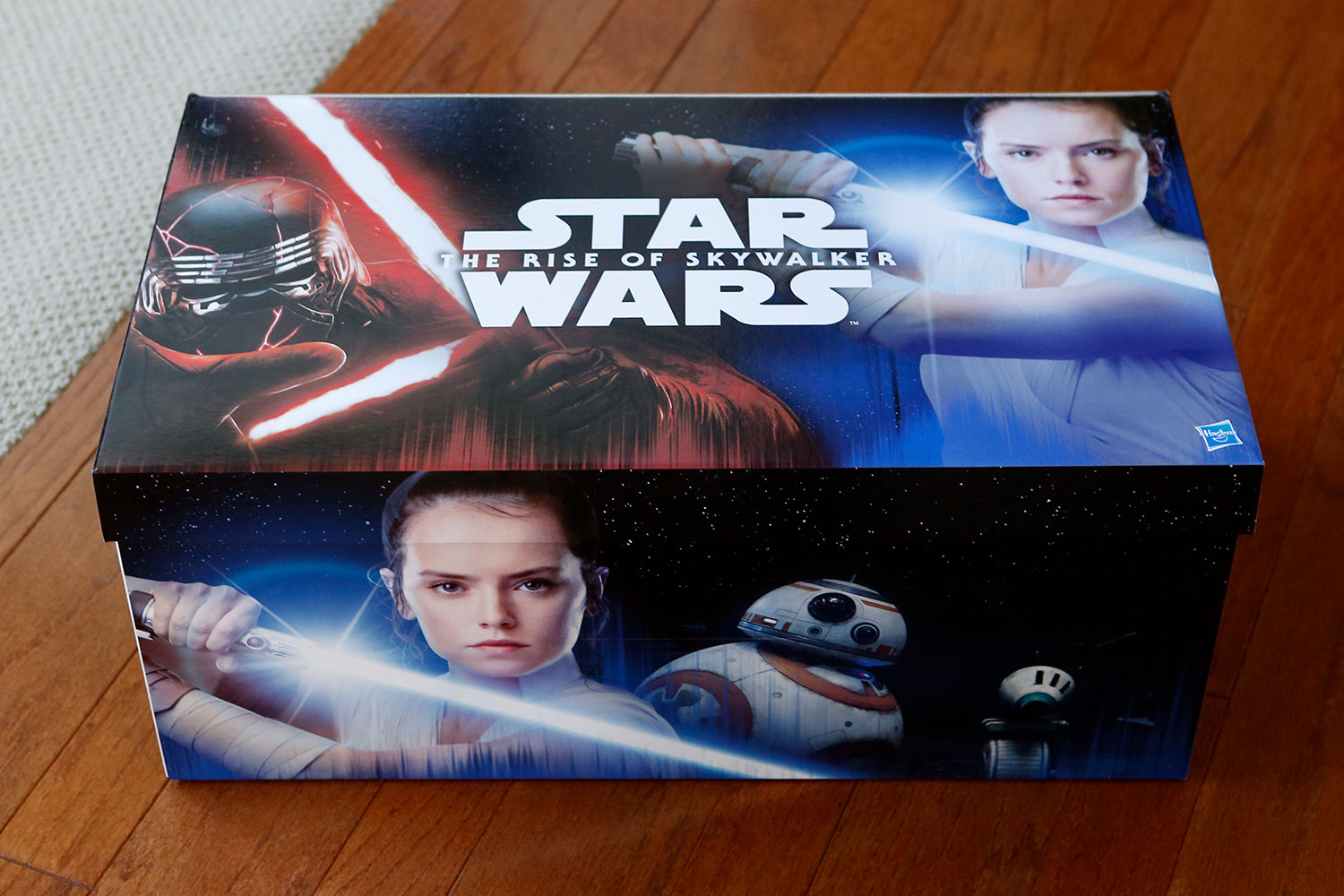 A Look Inside The Rise of Skywalker – Special Hasbro Package