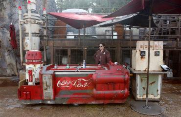 Coca-Cola Droid/Carts Finally Arrive at Batuu (West)